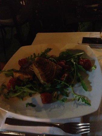 Park Hotel: tagliata di tonno fresco! buonissima!