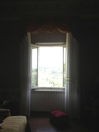Palazzo di Valli: window in our bedroom