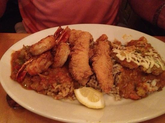 Tupelo Grille: Fried Seafood combo- Zydeco platter- yum