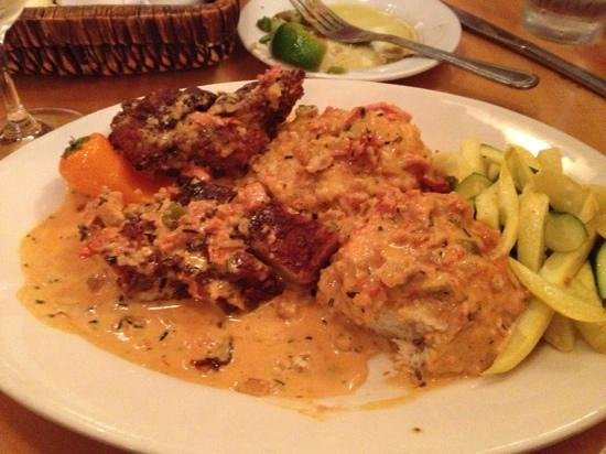 Tupelo Grille: Chicken and Biscuits- so very tasty - and filling!