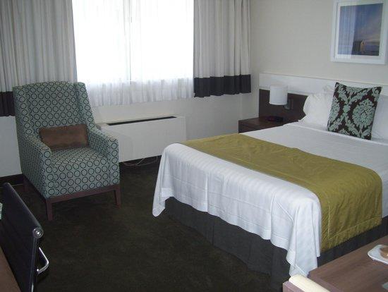 Residence Inn Montreal Westmount: bed