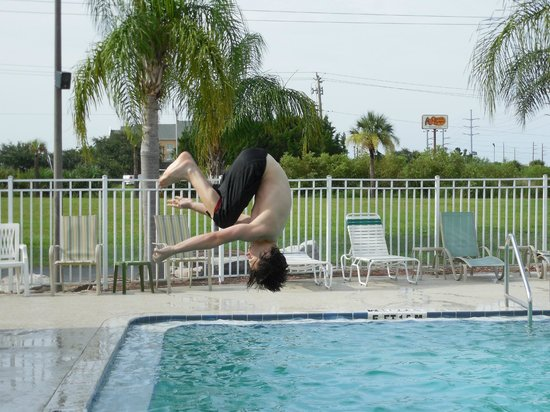 Quality Inn Kennedy Space Center: Ryan flipping out at the pool