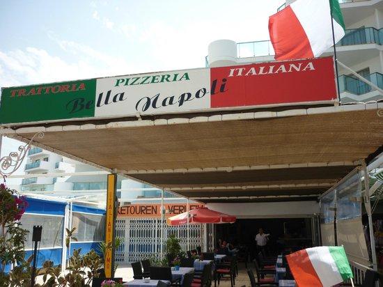 Bella Napoli: Restaurant