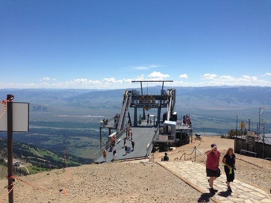 Jackson Hole Aerial Tram: the tram station at the top of the mountain