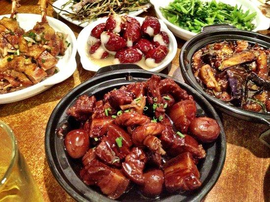 Jian'guo 328 Xiaoguan: close up of pork belly