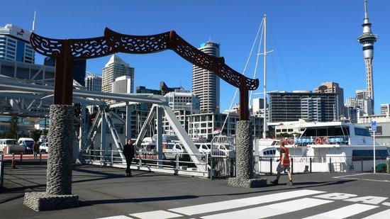 Viaduct Harbour: Maori Entrance Gate