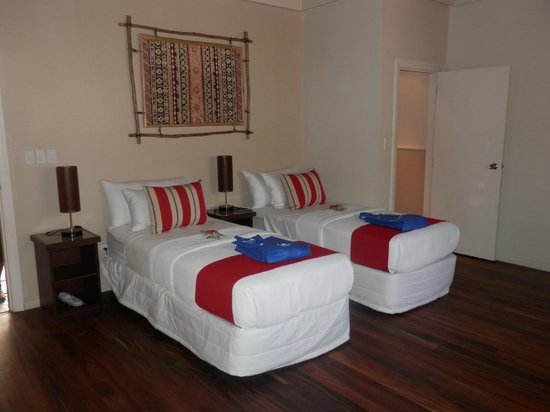 Paradise Cove Resort: Kids bedroom in the villas are even larger than our lounge room at home !