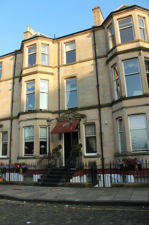 Channings Hotel: Front of Hotel