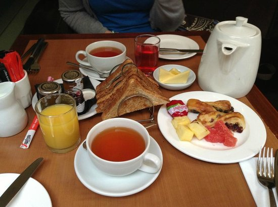 Channings Hotel: Continental Breakfast