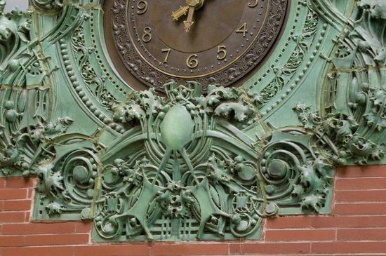 Prairie School Bank : Original clock still works