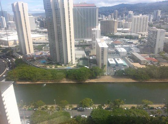 Marina Tower Waikiki : View from elevator