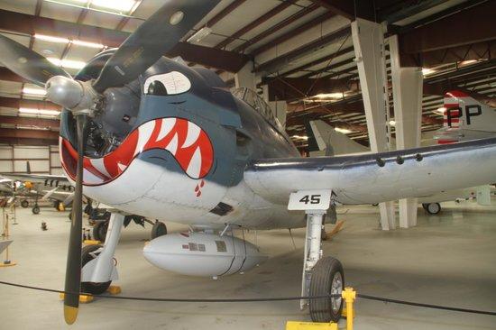 Yanks Air Museum: Grumman F6F Hellcat