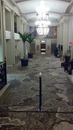 Peoria Marriott Pere Marquette: lobby area