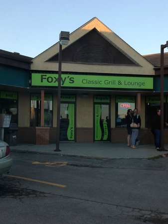 Foxy's Lounge & Eatery Ltd