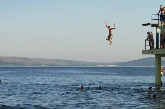 Galway Bay Hotel: Jumping into Galway Bay