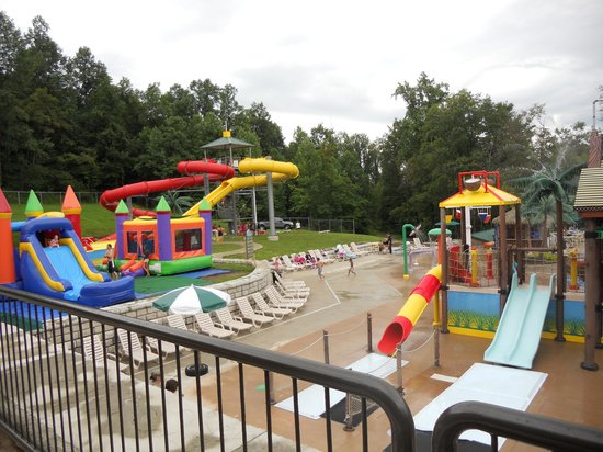 Yogi Bear's Jellystone Park: upper pool and spray park
