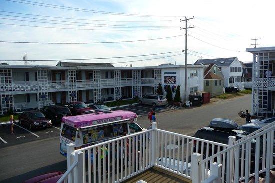 Royal Crest Motor Inn : Vu du balcon (chambre 26 et 24)