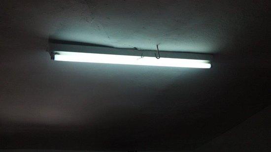 Qorichaska Hostal: Lights.