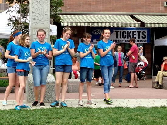 Downtown Rapid City: Flash mob at main st square