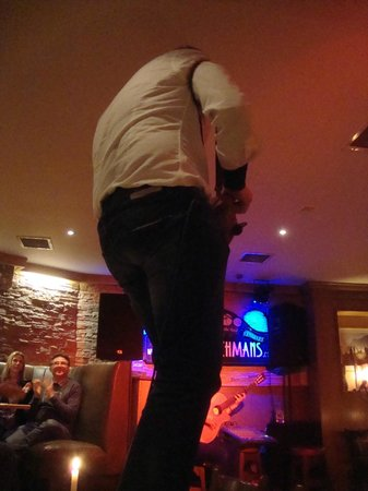 The Coachman's Bar & Restaurant: And then a musician jumped on the table next