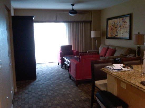 Wyndham Palm-Aire: living room