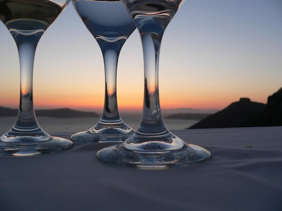 SPHINX Restaurant: Wonderful sunsets with great wine