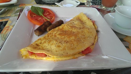 Casa Grandview Historic Luxury Inn, Cottages and Suites: Omelette w/ turkey sausage