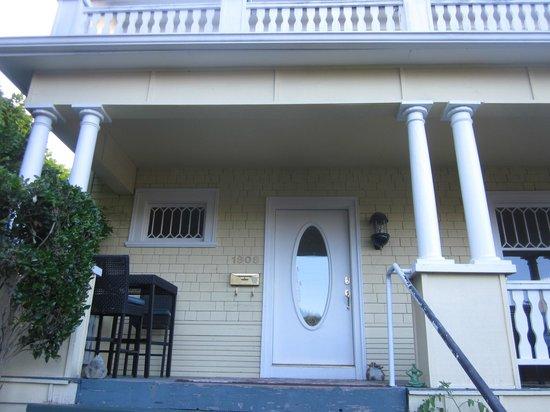 Bed and Breakfast Inn Seattle: Front door