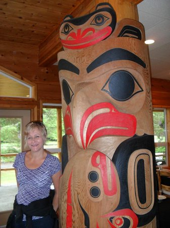 Haida House at Tllaal : The dining room, beautiful Haida art.