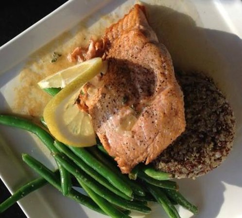 Nirvana Bistro & Bar: Pan seared Alaskan King Salmon with red & white quinoa, green beans and beurre blanc.