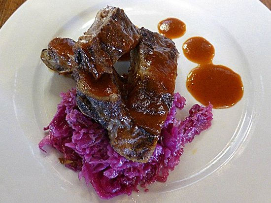 ‪‪Nirvana Bistro & Bar‬: Mini Baby Back Ribs seared with BBQ sauce and topped with cabbage slaw.‬