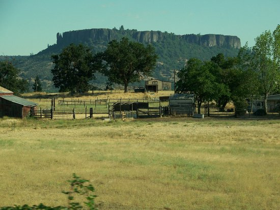 Upper and Lower Table Rock: A real flattop