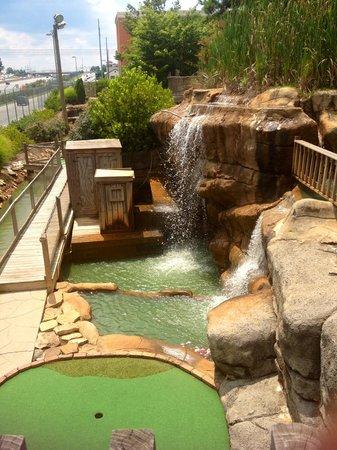 Pirate's Cove Miniature Golf: Beautiful Scenery