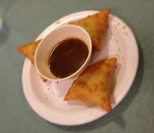 Ambrosia Western & Indian Cuisine: Frische indische Somosas
