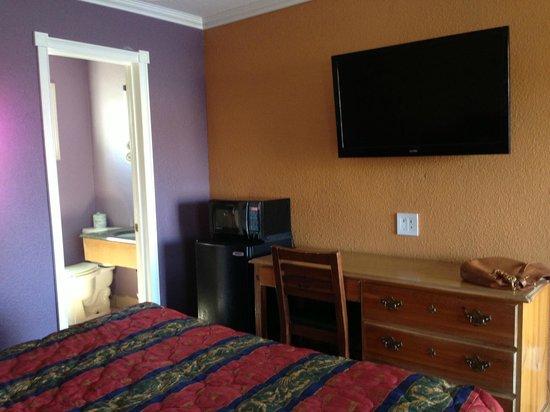 Ranch Motel: Room