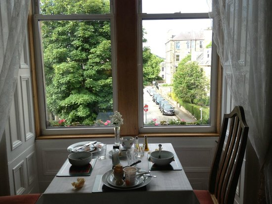 Airdenair Guest House: Breakfast room and view