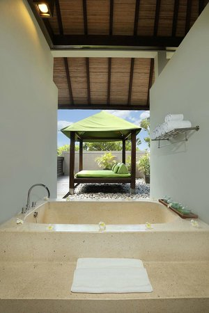 Le Jardin Villas, Seminyak: Upstair Bathroom