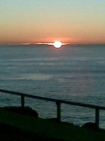 Coolangatta Beach: Sunrise @ Pt Danger.