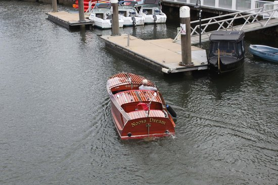 Noosa Dreamboats Classic Boat Cruises: Noosa Dreamboats
