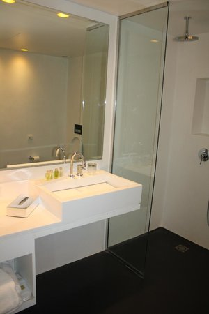 B-aparthotel Regent: Bathroom