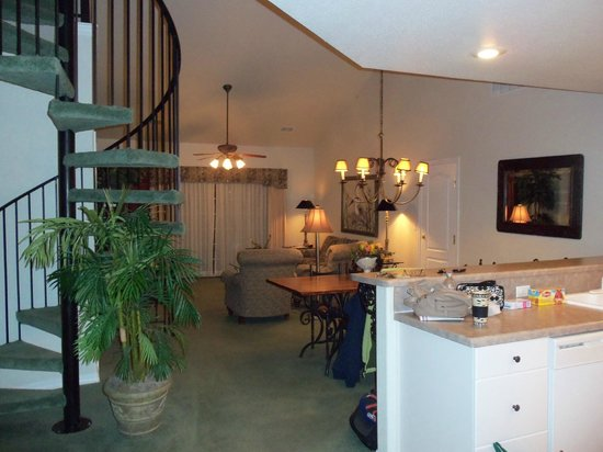 French Quarter Resort: spacious 3 bedroom unit on top floor with loft