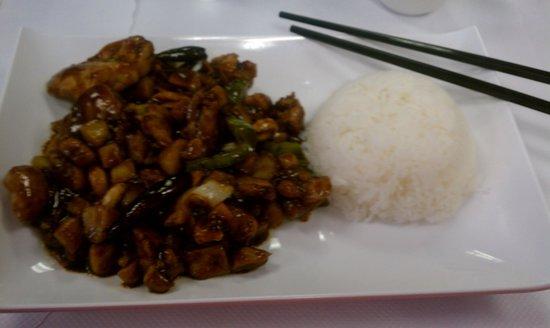 Oriental Pearl Restaurant: Kung Pow Chicken