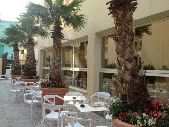 Continental Hotel: esterno