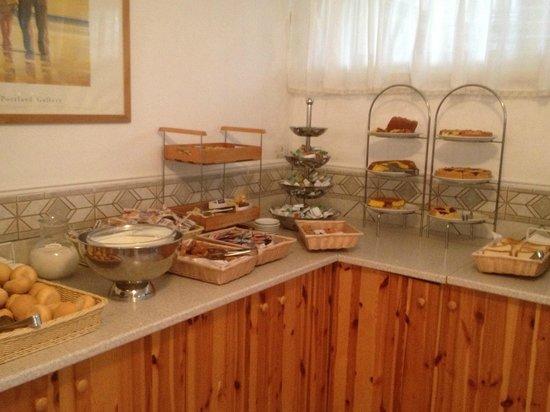 Continental Hotel: buffet colazione