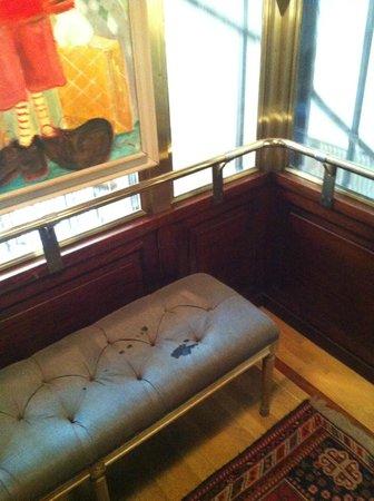 Clarion Grand Hotel: Hissen, med soffa
