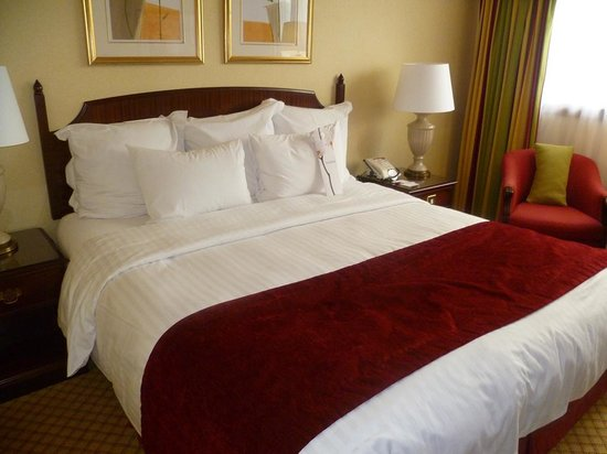 Glasgow Marriott Hotel: Comfortable bed