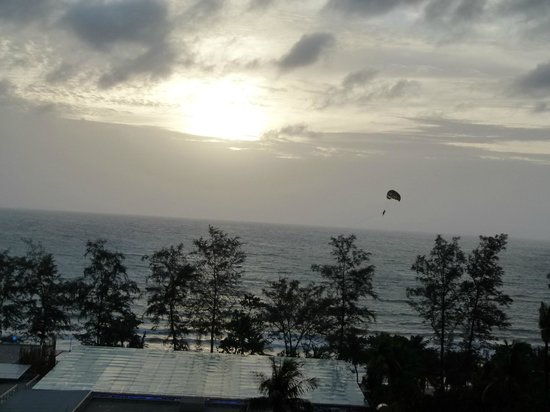 Patong Beach Hotel: Our June Fantastic Holiday