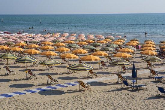 Hotel Eden: La nostra spiaggia privata.