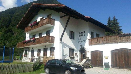 Gastehaus Landhaus Tyrol: Landhaus Tyrol