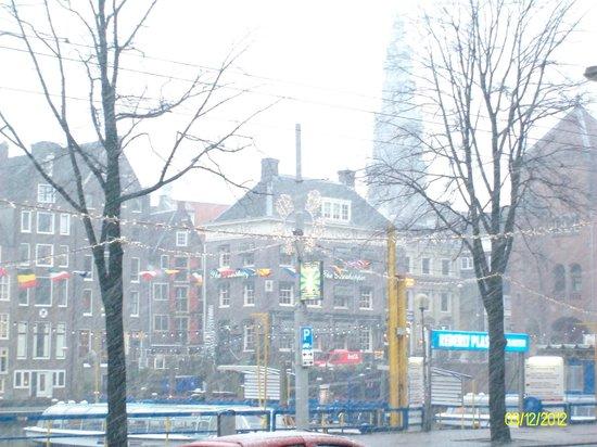 Delta Hotel Amsterdam City Centre: vista dall'entrata
